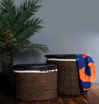 Oval clothing basket